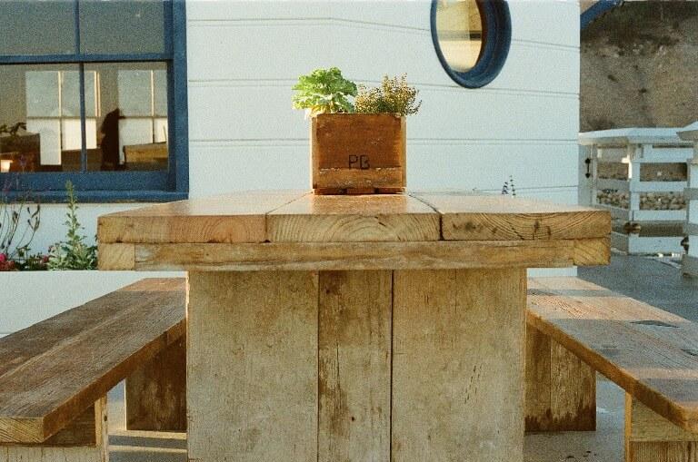 Pourquoi les meubles de jardin en bois d chafaudage sont for Vide jardin 2016 la garnache