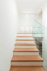 hoe je houten trap antislip maken antislip vernis xyladecor blog. Black Bedroom Furniture Sets. Home Design Ideas