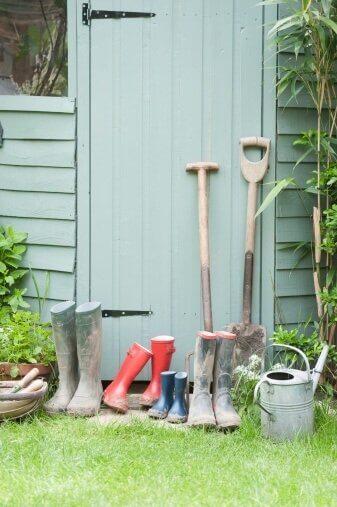 Je nieuwe tuinhuis schilderen in 6 eenvoudige stappen - groen thuinhuis