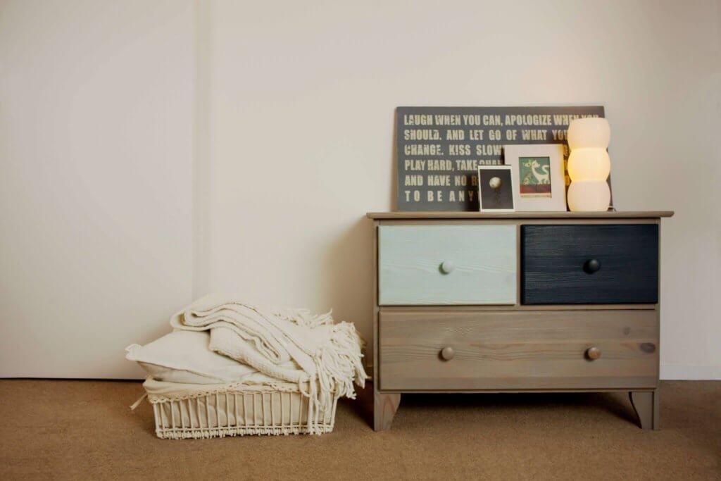 Oude Houten Kast : Oude meubels opknappen oude kast schilderen xyladecor blog